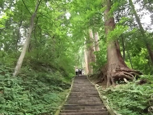 羽黒山 参道