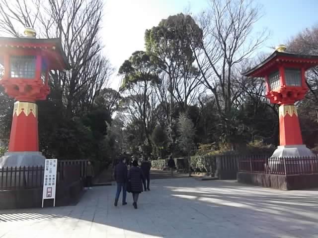 井草八幡宮 入口の大燈籠