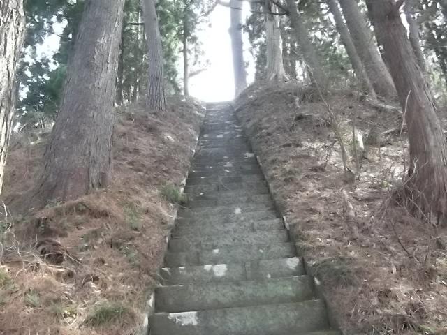 沼御前神社への階段