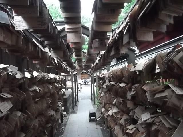 絵馬のトンネル