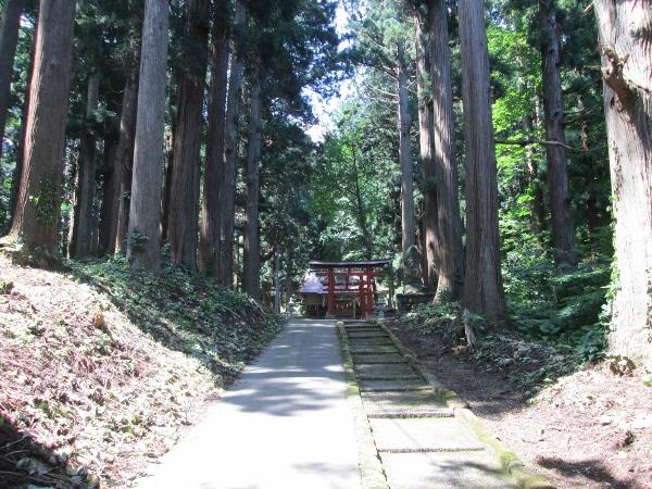 岩鬼山神社 参道