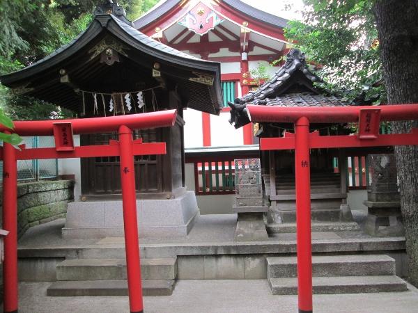 厳島神社と稲荷神社