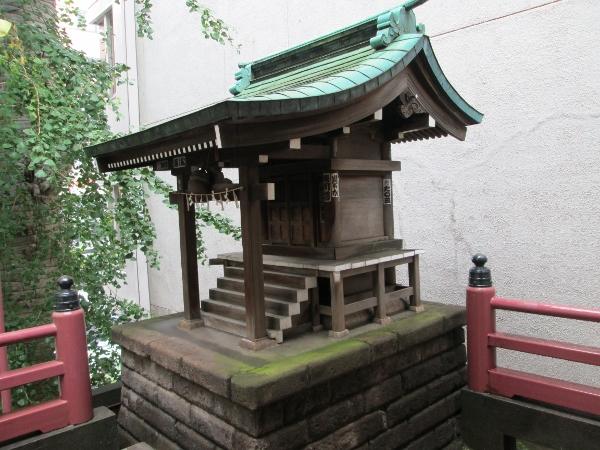 小さい神社